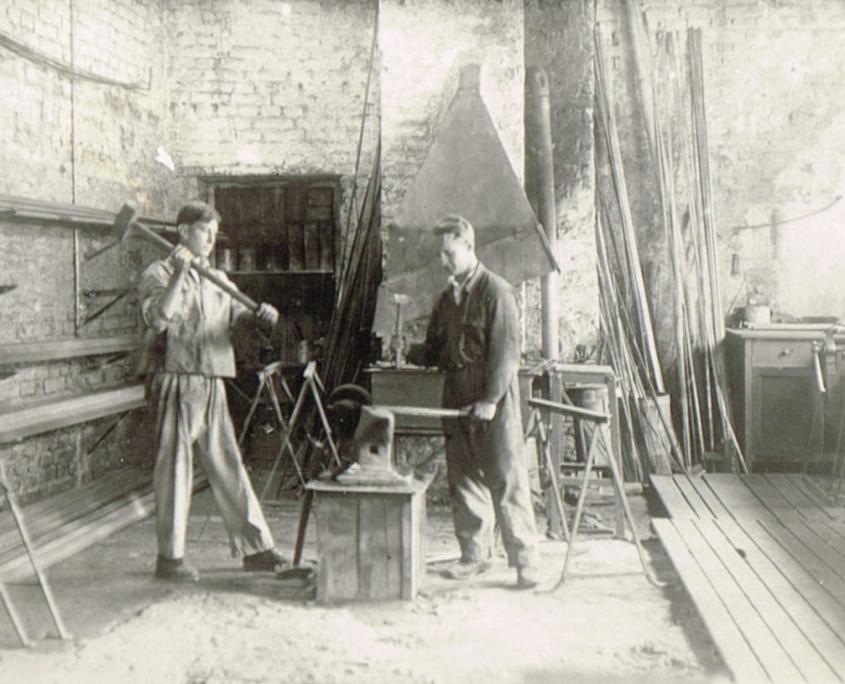 Schmiedearbeiten in unserer Werkstatt
